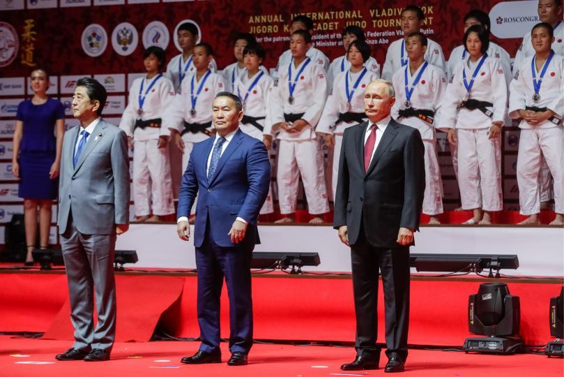 Х.Баттулга, В.Путин, Шинзо Абэ нар жүдогийн тэмцээн үзжээ