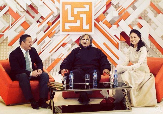 Монгол Тулгатны 100 эрхэм - Б.Лхагвасүрэн