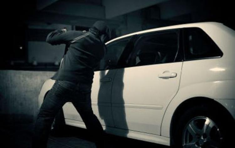 Хулгайд алдагдсан хоёр автомашиныг олжээ