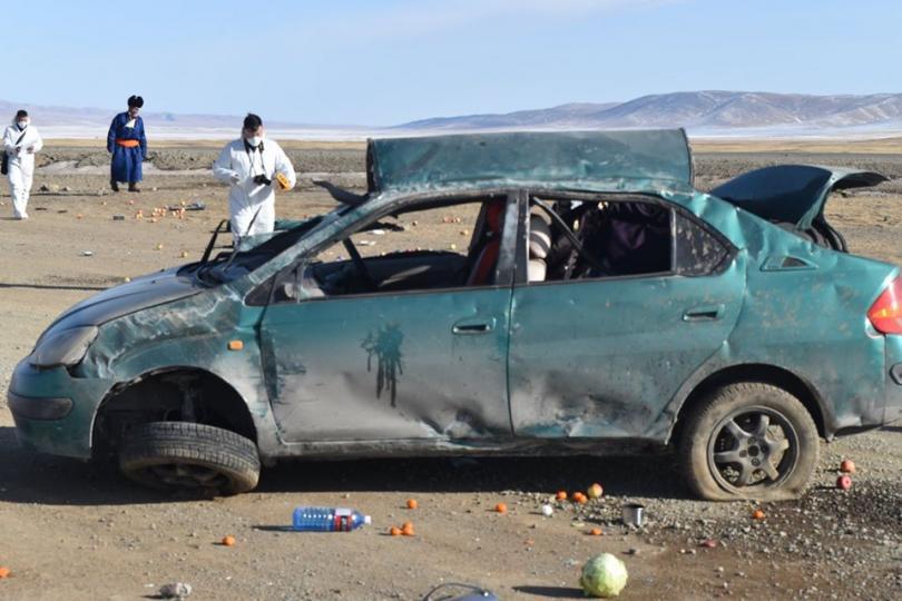Орон нутагт зорчих зөвшөөрөлтэй явж байсан машин осолдож жолооч нь нас баржээ