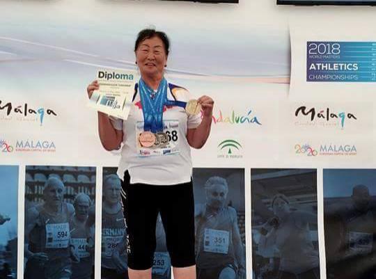 Хөнгөн атлетикийн шидэлтийн дэлхийн аварга болсон 80 настай монгол эмэгтэй