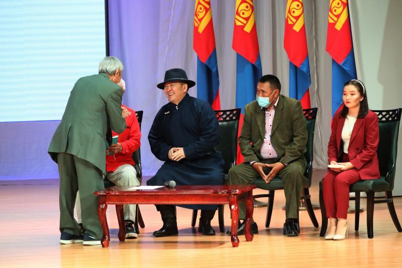 Ерөнхийлөгч Х.Баттулга Дорнод аймгийн иргэдтэй уулзлаа