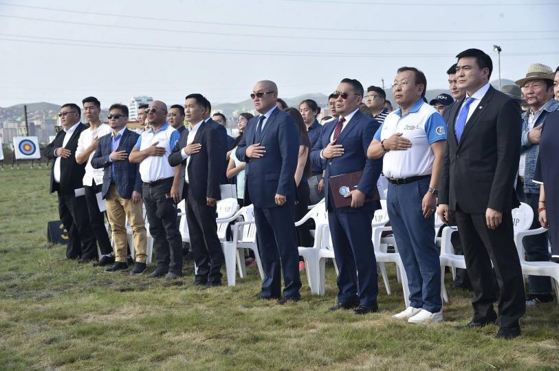 Монгол олон улсын стандартын байт харвааны талбайтай боллоо