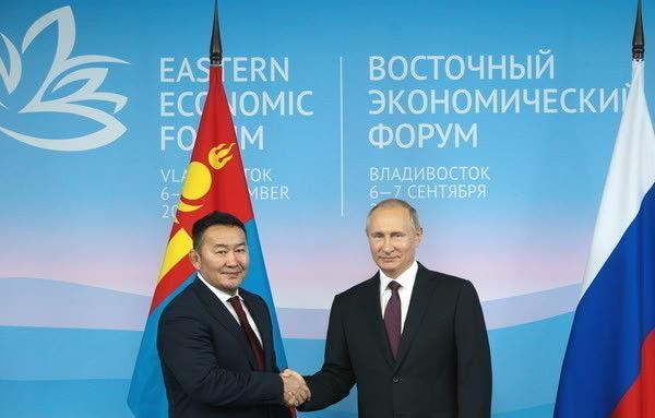 Ерөнхийлөгч Х.Баттулга ОХУ-ын Ерөнхийлөгч Путинтэй уулзаж байна