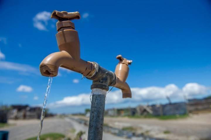 Усны хомсдолд таван тэрбум хүн өртөнө