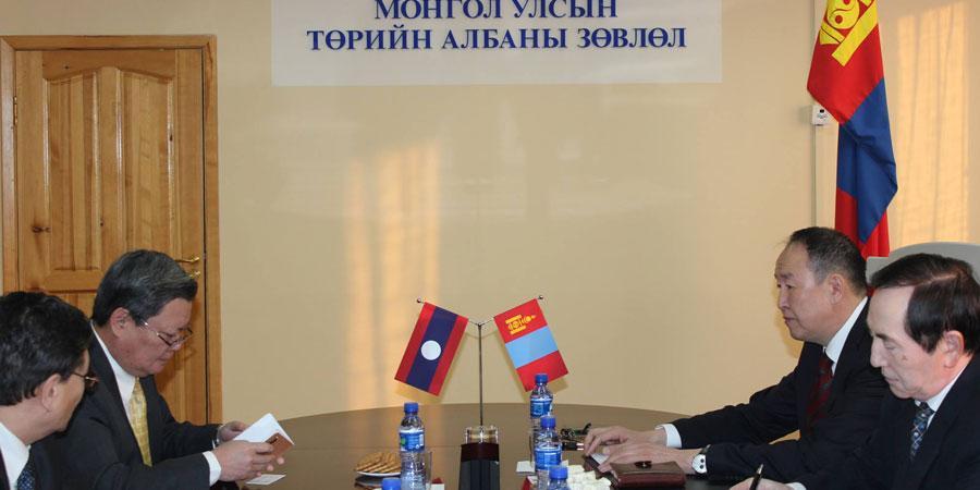 БНАЛАУ-ын Элчин сайд Монгол Улсын Төрийн албаны зөвлөлд зочиллоо