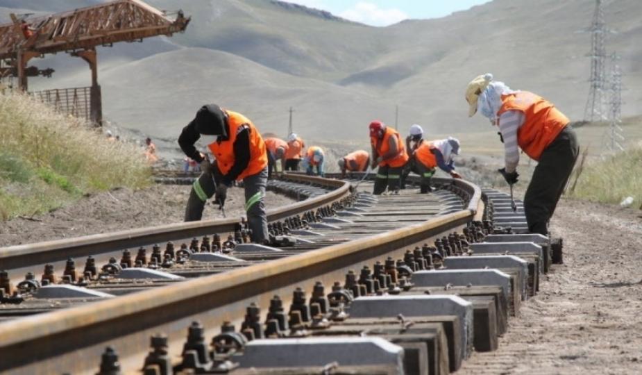 Төмөр зам, эрчим хүчний бүтээн байгуулалтад алсын хараа дутаж байв