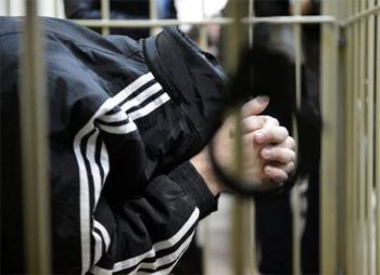 Таван настай охиноо хүчирхийлсэн хойд эцэгт 18 жилийн хорих ял оноолоо