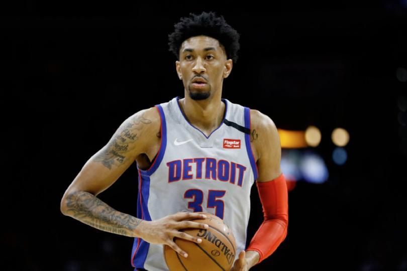 NBA-ын гурав дахь тоглогч коронавирус тусжээ