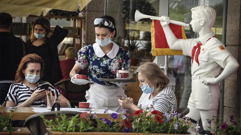 Бразил улсад өдөрт 31 мянган хүн коронавирусийн халдвар авч байна