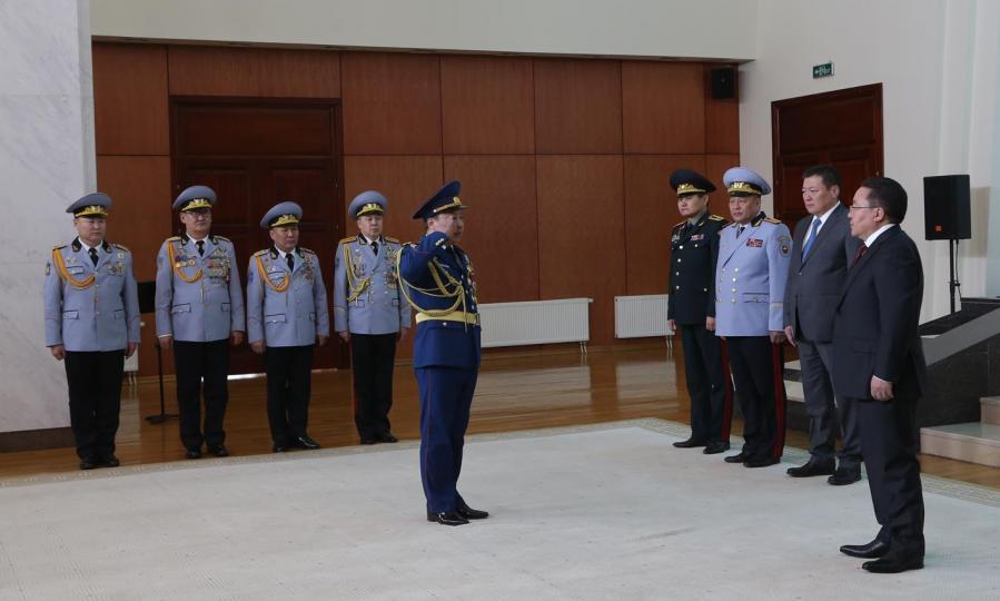 Таван шинэ генерал төрлөө