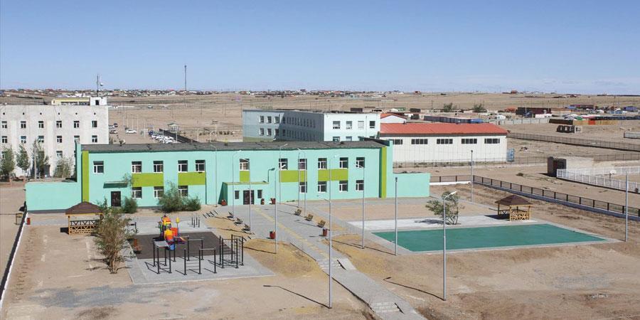V сургуулийн гадна тохижилт, гадна фасад, засварын ажлыг ашиглалтад хүлээн авлаа
