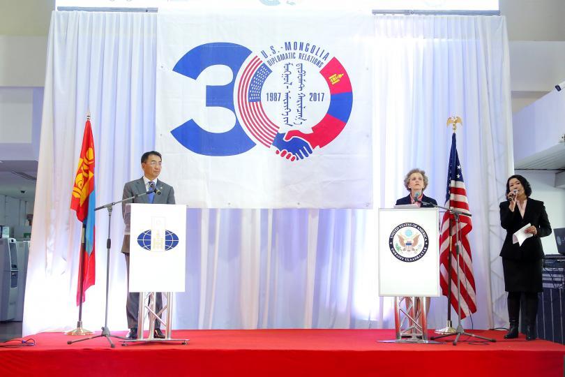 """Монгол Улс АНУ-ын """"Визээс чөлөөлөх хөтөлбөр""""-т хамрагдаж магадгүй нь"""