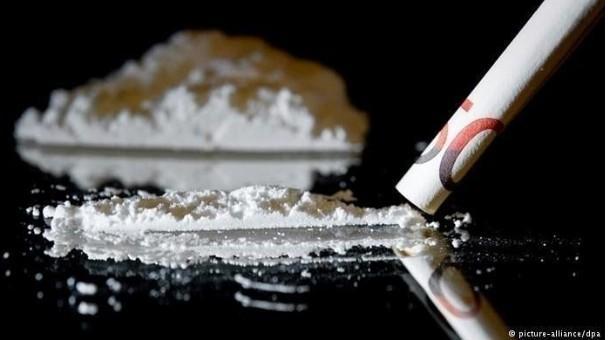 Хар тамхины хар сүүдэр