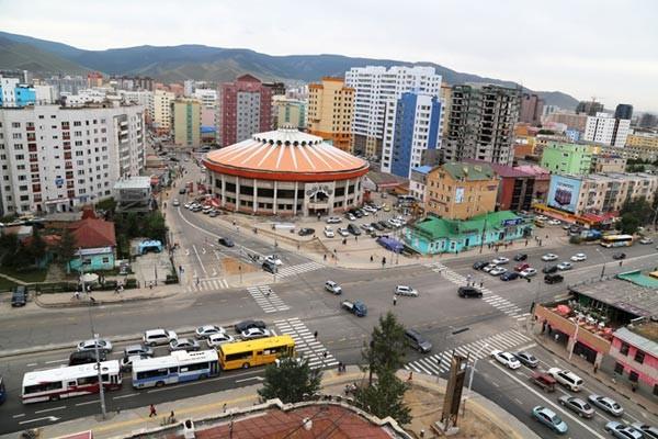 """Ерөнхийлөгч Х.Баттулга """"Монгол бөхийн өргөө""""-г төрийн өмчид шилжүүлэх бичиг хүргүүлэв"""