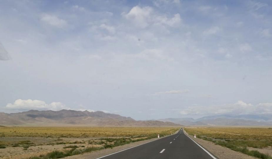 Баянхонгор-Байдрагийн гүүр чиглэлийн 129.4 км авто зам ашиглалтад оржээ