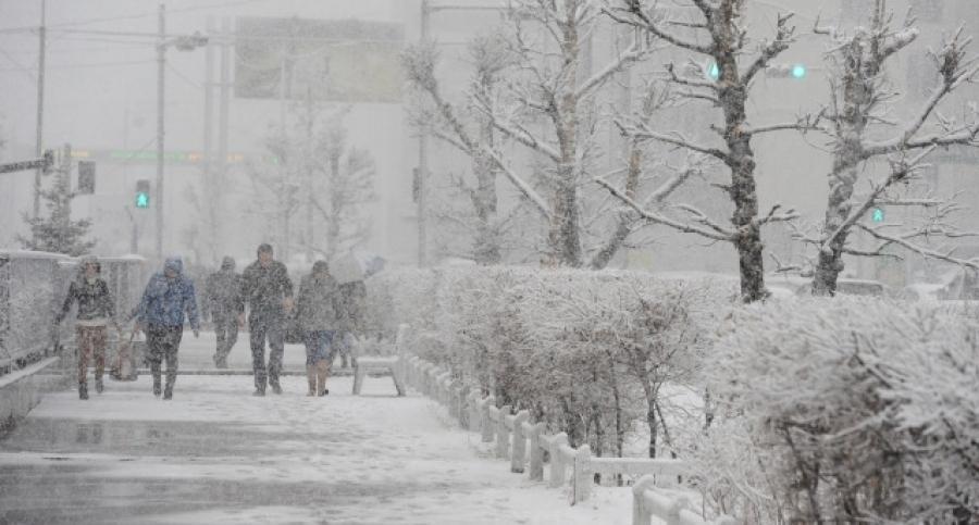 Өнөө маргаашдаа нойтон цас орж, ихэнх нутгаар хүчтэй шуурна