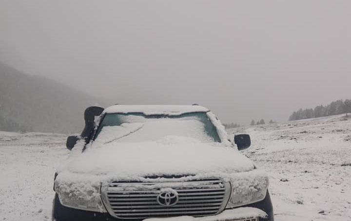 Өчигдөр Увс, өнөөдөр Хөвсгөл, Өвөрхангайд цас орж байна