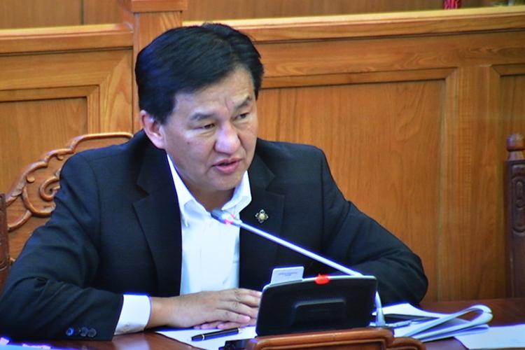 Ц.Даваасүрэн: АНУ-д хорьчихсон элэгний эмийг монгол хүн дээр туршиж байна