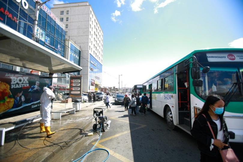 Автобусны буудлуудыг ариутгах, цэвэрлэх ажил Баянгол дүүрэгт ажиллалаа