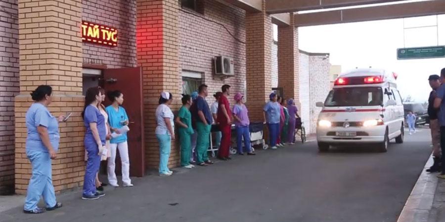 Гэмтлийн эмнэлгийн таван эмч осолд оржээ