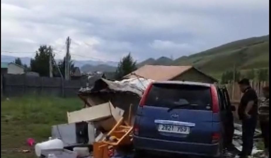 Согтуу эмэгтэй жолооч айлын гэр дайрч, 2-3 насны хоёр хүүхэд ээжийн хамт бэртжээ