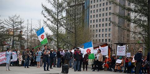 Шуурхай мэдээ: МАХН-ын дэмжигчид СЕХ-ны байранд үймээн үүсгэж байна