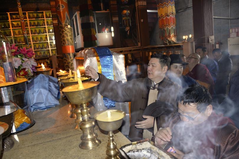 Монголын төр, түмний эх шүтээн Очирдарь шүтээнд мандал өргөлөө