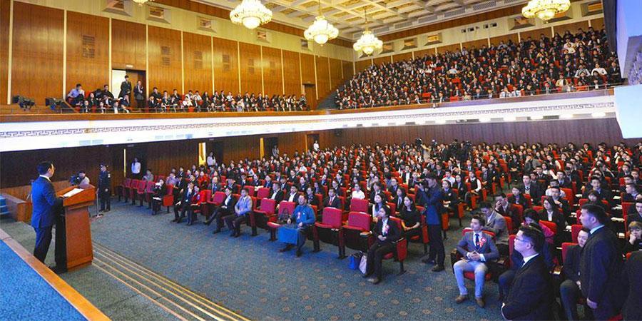 800 сурагч андгай өргөж, иргэний үнэмлэхээ гардлаа