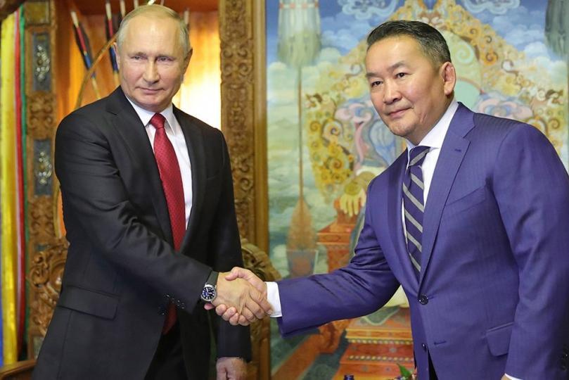 ТАНИЛЦ: В.Путины айлчлалаар үзэглэсэн 10 БАРИМТ БИЧИГ