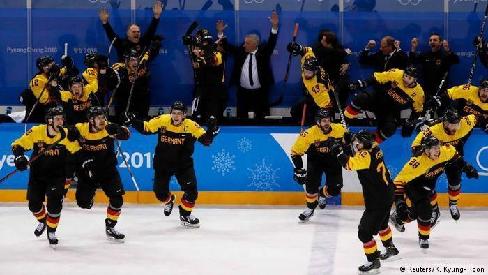 Германы хоккейчид аваргын төлөө шалгарч үлдлээ