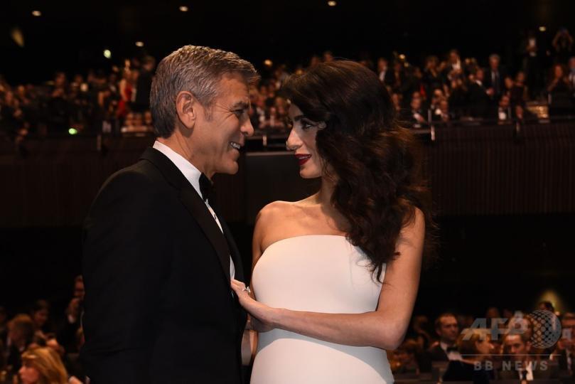 Жорж Клуни 56 насандаа аав боллоо